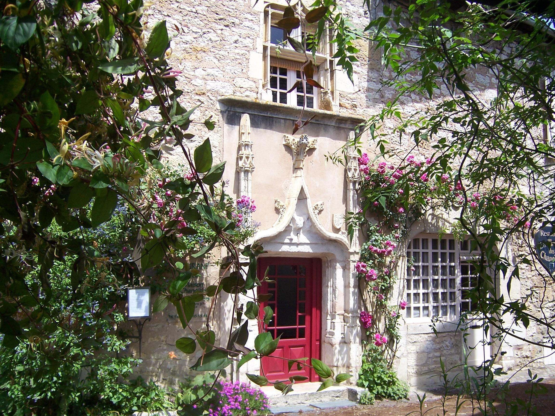 """Hôtel et restaurant """"La Maison des Chanoines"""""""